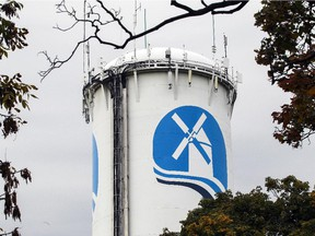 The Pointe-Claire water tower was painted with the city's new municipal logo inn October 2015. (John Mahoney / MONTREAL GAZETTE)