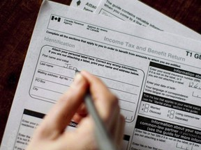 The federal government will require homeowners to report sales of a principal residence to the tax department in 2016 and beyond.