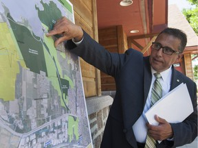 Pierrefonds-Roxboro Mayor Jim Beis talks at a press conference in 2015 about details of a development project for Pierrefonds West. (John Kenney / MONTREAL GAZETTE)