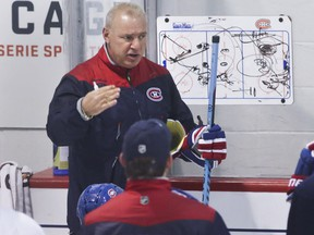In a career that started with the Canadiens in 2000, Therrien now has 400 wins (265 of them with the Canadiens) 293 losses, 23 ties, 80 overtime losses and enough fan complaints to fill an encyclopedia.