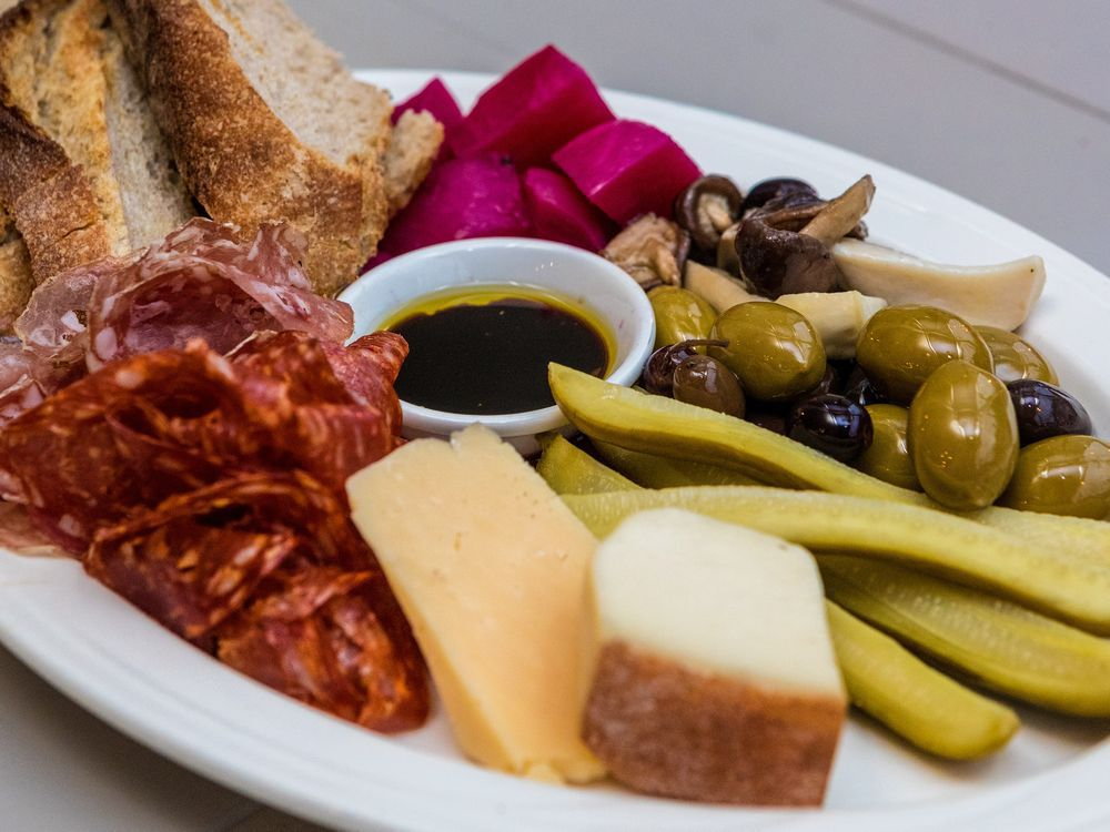 The plateau, a plate of bread, cheese, meat and veggies at Boxermans Restaurant