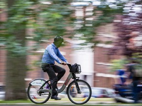 As Bixi numbers go up the number of cycling accidents is ... going down! (Dario Ayala / THE GAZETTE)