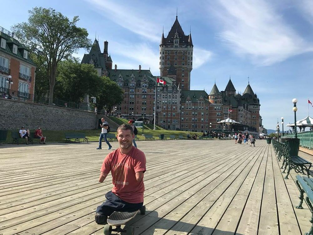 Man born without limbs crosses Canada via skateboard and kindness