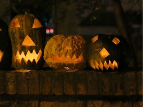 It's doubtful many pumpkins will be glowing outdoors on Halloween night in the Montreal region, given the rainy weather forecast that has prompted the city and other municipalities to urge trick-or-treaters to hold off until Friday night.