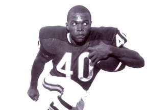 Gale Sayers, a Hall of Fame running back for the Chicago Bears, has been diagnosed with dementia.