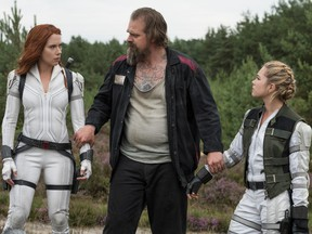 Scarlett Johansson, David Harbour, Florence Pugh and that cool vest with pockets in Black Widow.