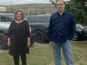 Alberta Party Acting Leader, Jacquie Fenske was only in the role for a short period before COVID-19 forced everyone into not travelling, something she had been doing prior to that day to meet with residents across Alberta. With restrictions lifted Fenske toured Drumheller before coming to Hanna for a spell to meet with some Alberta Party supporters like Mark Nikota, who ran in the Drumheller-Stettler riding last election for the party. Alberta Party photo