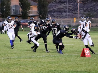 The Hanna Hawks football team headed to Drumheller to face off against the Titans on Sept. 25. The scrimmage allowed both sides to finess their plays and spectators a chance to see their teams in action. The Titans will be in Hanna on Oct. 2 for another round. Jackie Irwin/Postmedia