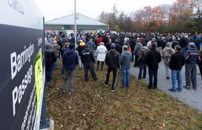Non-native commercial fishermen gather to protest against a Mi'kmaq lobster fishery in Barrington Passage, Nova Scotia, Canada October 19, 2020. (REUTERS/John Morris)
