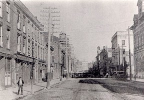 King Street looking east from Forsyth Street in 1904. The Lethbridge Brothers Livery is the third store front from the left. John Rhodes photo