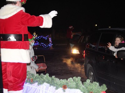 There were a lot of smiles at the parade, especially at the stop at Santa and Mrs. Claus' booth. Photo on Saturday, November 28, 2020, in Cornwall, Ont. Todd Hambleton/Cornwall Standard-Freeholder/Postmedia Network