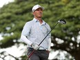Weir shoots 66 to make cut at S…