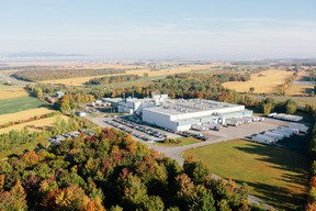 The Olymel Ange-Gardien plant will continue to be supplied by the privately owned farms acquired from F. Ménard, its associated breeders and those in the central Quebec hog-producing region