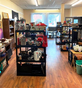 Second-hand thrift store Brian's Barter 4 Bargains has opened in Lansdowne. It can be found at 1081 Prince Street, the former location of Lion's Den Hairstyling.   Supplied by