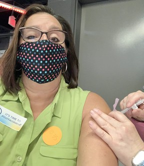 Sault Star reporter Elaine Della-Mattia says getting vaccinated was easy and the process to do so at the GFL Memorial Gardens was like a well-oiled machine.