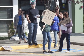 An anti-masking protest was held outside of the EIPS building at 683 Wye Road on Thursday morning, August 26. At its peak, it's estimated about 200 people attended. Travis Dosser/News Staff