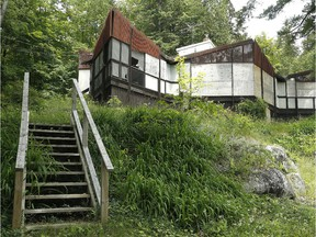 The Strutt House is a modernist heritage house in Gatineau Park.  The NCC says it will be rehabilitated and opened to the public in 2017 as a Confederation Pavilion.