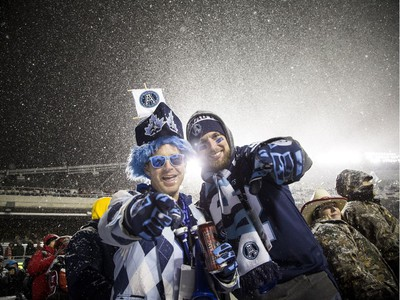 Fans didn't let a little snow stop their excitement for the 2017 Grey Cup at TD Place between the Calgary Stampeders and Toronto Argonauts.