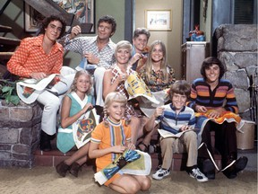The Brady Bunch (ABC)  TV Series 1969-1974 Shown from left, back row: Barry Williams, Robert Reed, Ann B. Davis; middle row: Eve Plumb, Florence Henderson, Maureen McCormack; front row: Susan Olsen, Mike Lookinland, Christopher Knight .