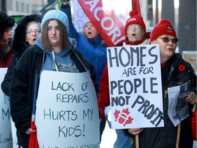 A few dozen Acorn supporters and tenants of a high-rise building at 2880 Carling Avenue protested outside the doors of the Landlord Tenant Board on Albert Street Wednesday morning.
