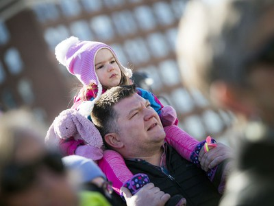Lukas Ratkowski with his daughter, three-year-old Ivy on Parliament Hill on Saturday.