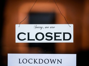 File/ Closed because of lockdown sign
