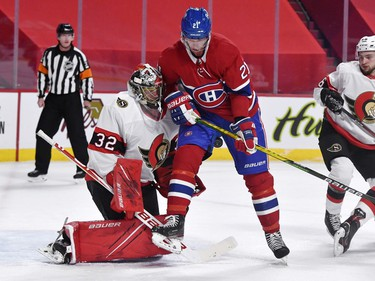 Montreal Canadiens forward Eric Staal (21) screens Ottawa Senators goalie Filip Gustavsson (32) during the second period at the Bell Centre.