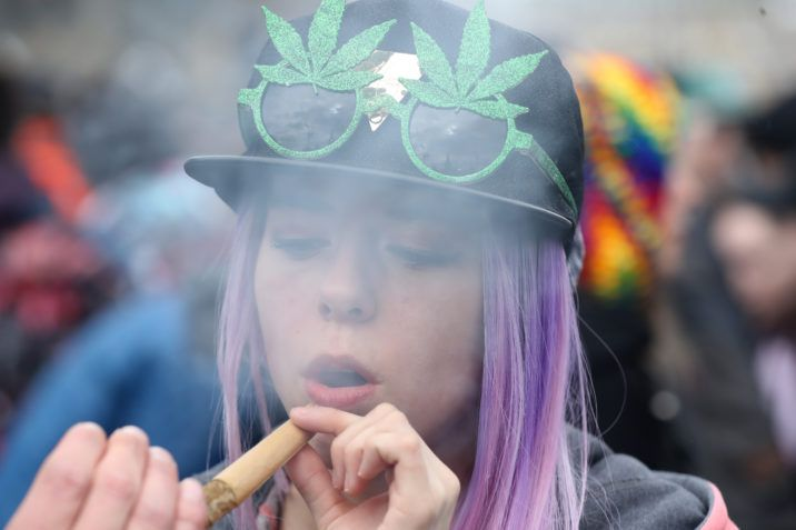 Lawsuit seeks to overturn Quebec's broad prohibition of all things cannabis on products