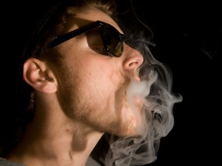 Inhaling the smoke deeply also allows you to gain the maximum buzz benefits from your weed smoking endeavours.