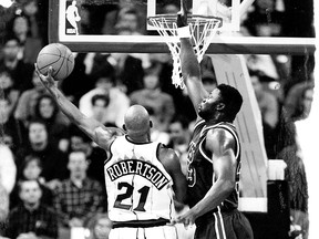 Alvin Robertson was the star of the first Toronto Raptors game on Nov. 3, 1995.