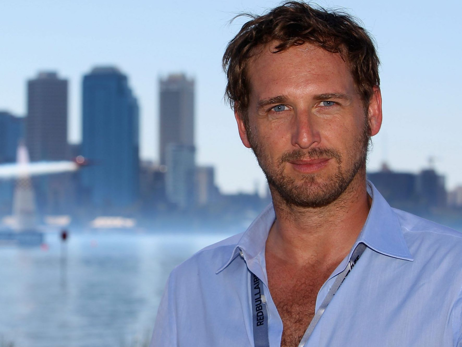 Josh Lucas' ex-wife calls him out for partying maskless