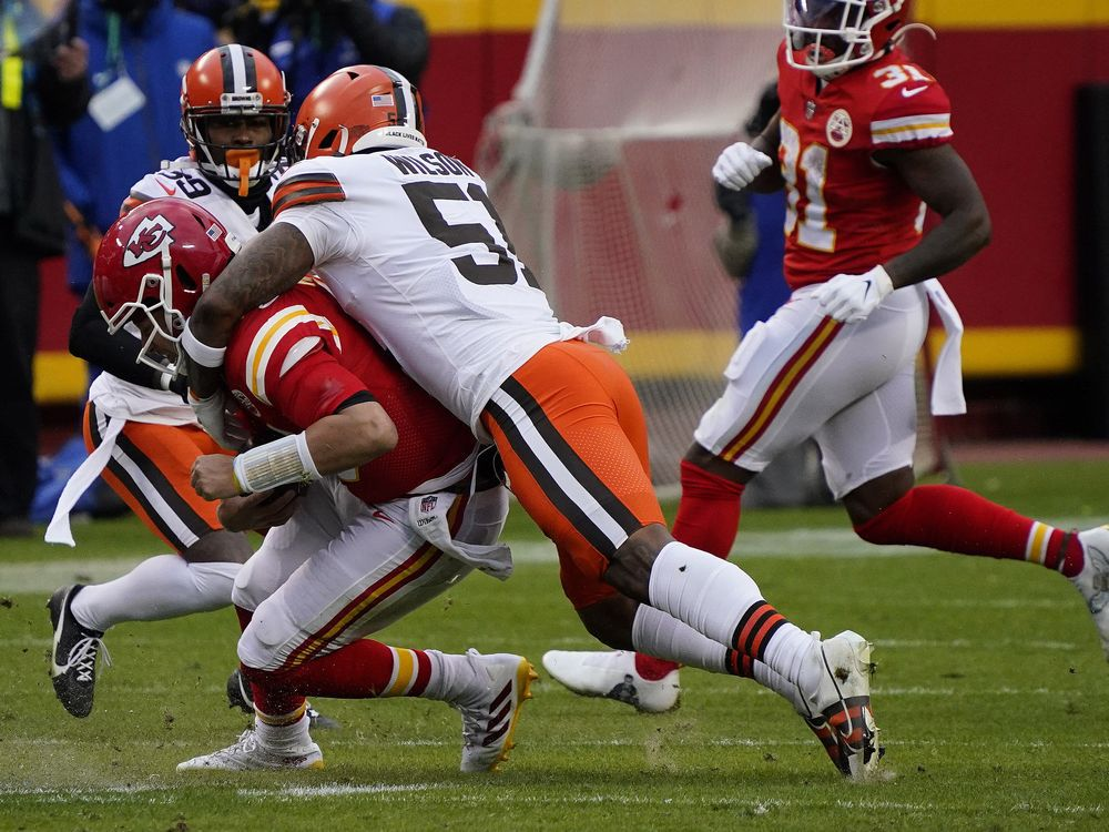 Chiefs lose Mahomes, defeat Browns to reach AFC title game