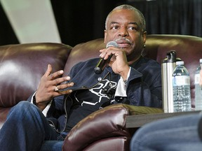 Actor Levar Burton speaks to the crowd at Comic Con in London, Ont.