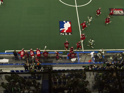 The Calgary Roughnecks switch out their bench during the game against the Saskatchewan Rush at SaskTel Centre in Saskatoon, May 21, 2016.