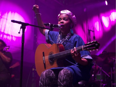 Ms. Lauryn Hill plays at the Bessborough Gardens main stage in the SaskTel Saskatchewan Jazz Festival, June 24, 2016.