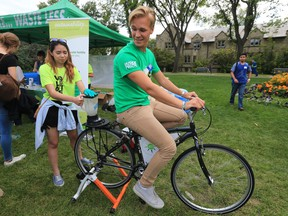 Oscar Bressen, a third-year agro student, cycles to provide the energy for making a smoothie in a booth set up by the office of sustainability. Students were participating in orientation activities at the University of Saskatchewan for all new students entering the colleges of Agriculture and Bioresources, Arts and Science, Education, Edwards School of Business, Engineering, Kinesiology, St. Thomas More College, Graduate Studies and Research in the Bowl, Friday, September 02, 2016.