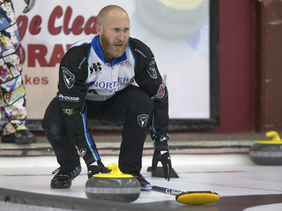 Skip Brad Jacobs in action during the championship final in the World Curling Tour's College Clean Restoration Curling Classic at the Nutana Curling Club, September 26, 2016.