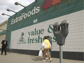 The Extra Foods store on Third Avenue in downtown Saskatoon closed for good in the fall of 2004, marking the last time a grocery store operated in the city's downtown. (GORD WALDNER/The StarPhoenix)