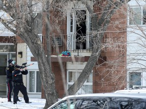 Saskatoon Police were on scene at an apartment building in the 1100 block of Avenue W North where a man was barricaded inside.