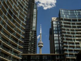 Investors who are putting Toronto condo units up for sale on the market en masse.
