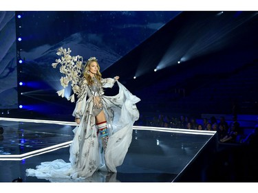 Model Martha Hunt walks the runway during the 2017 Victoria's Secret Fashion Show In Shanghai at Mercedes-Benz Arena on November 20, 2017 in Shanghai, China.  (Photo by Matt Winkelmeyer/Getty Images for Victoria's Secret)