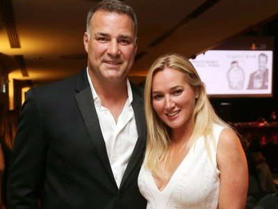 Eric and Kina Lindros in London on Aug. 16, 2017 (MIKE HENSEN/POSTMEDIA)