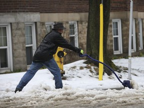 Toronto residents were busy digging out on Monday. (JACK BOLAND, Toronto Sun)