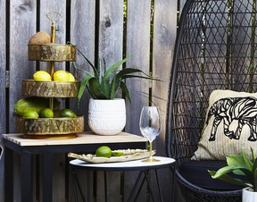 Use antique brass to add heritage and pedigree to indoor and outdoor dining set ups.