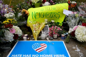 Flowers and cards sit at a makeshift memorial down the street from the site of the mass shooting that killed 11 people and wounded 6 at the Tree Of Life Synagogue on October 28, 2018 in Pittsburgh. (Jeff Swensen/Getty Images)