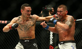 Max Holloway defeated Anthony Pettis at UFC 206  in Toronto in 2016 to win the UFC interim featherweight title. (DAVE ABEL/Toronto Sun)