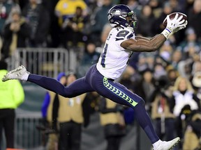 D.K. Metcalf of the Seattle Seahawks catches a pass for a touchdown in the third quarter of the NFC Wild Card Playoff game against the Philadelphia Eagles at Lincoln Financial Field on January 05, 2020 in Philadelphia, Pennsylvania.