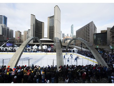 CP-Web.  The Toronto Maple Leafs play a three-on-three game during an outdoor practice at Nathan Phillips Square in Toronto on Thursday, January 9, 2020.