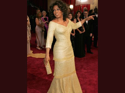 Oprah Winfrey arrives at the 77th Annual Academy Awards at the Kodak Theater on February 27, 2005 in Hollywood, California.
