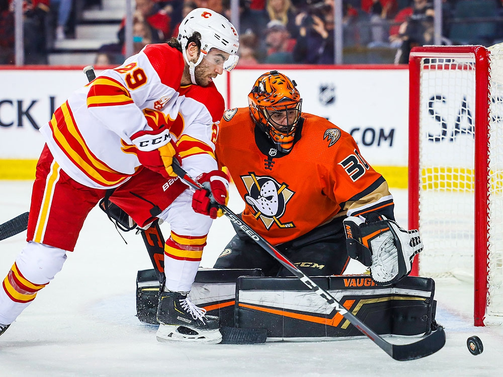 Ducks re-sign Ryan Miller to one-year deal | Toronto Sun